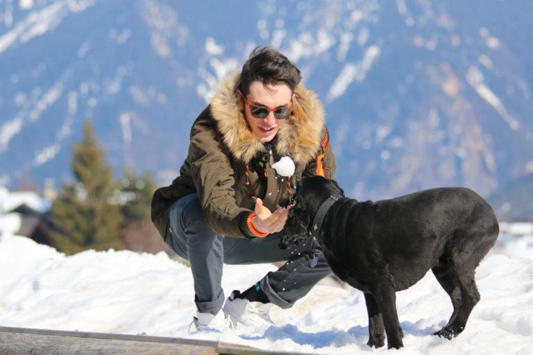 Джонти Коко в снегу