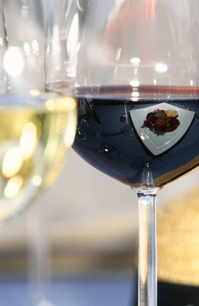 Бокалы для вина в наших роскошных лыжных шале в Куршевеле и Мерибеле