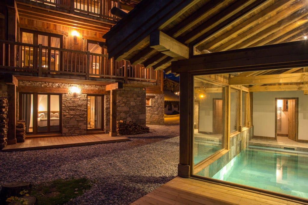 Swimming Pool And Exterior View Luxury Ski Chalet Loup Blanc Courchevel Le Praz
